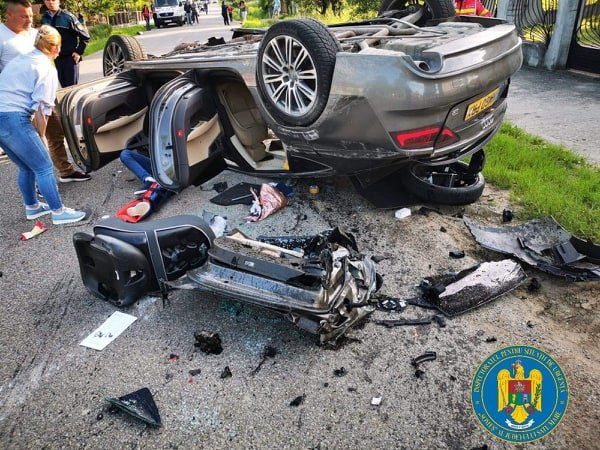 Accident dramatic în Satu Mare! O persoană a murit și alte trei au fost grav rănite