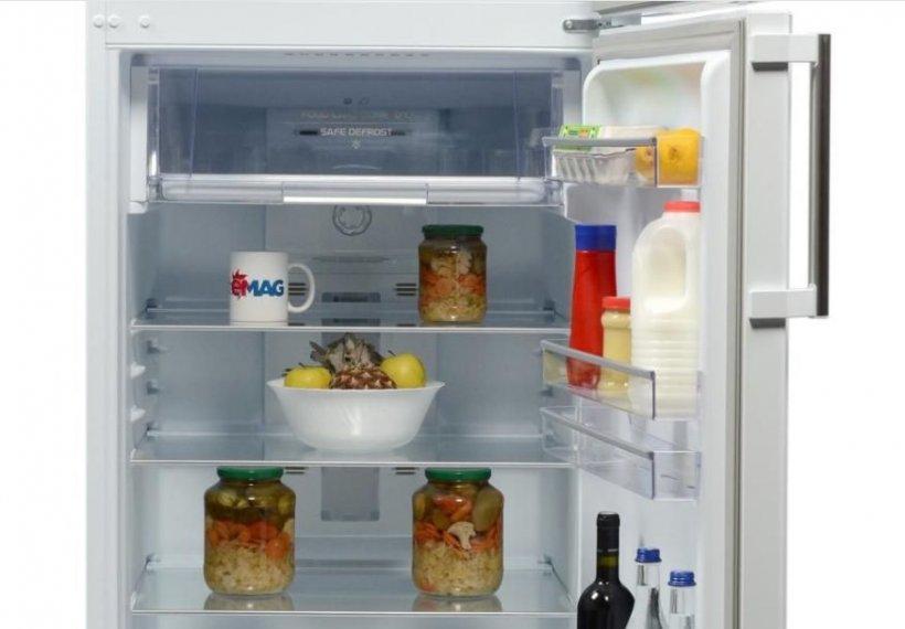eMAG reduceri. 3 frigidere peste 200 de litri sub 770 de lei