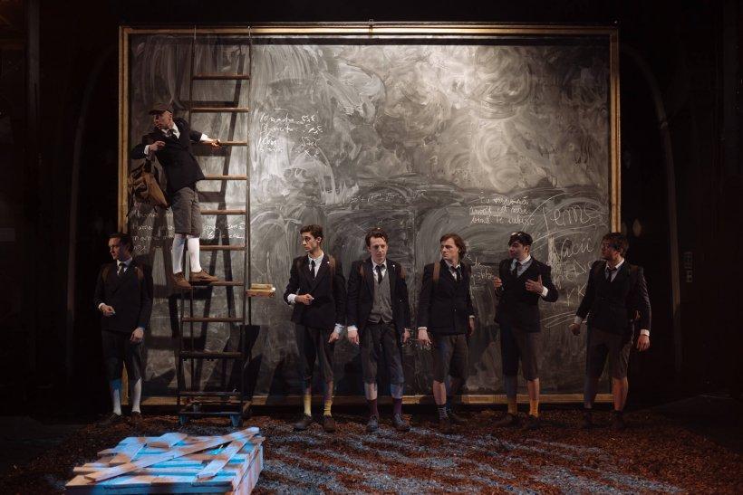 Top 10 spectacole de la Teatrul Mic pe care trebuie neapărat să le vedem