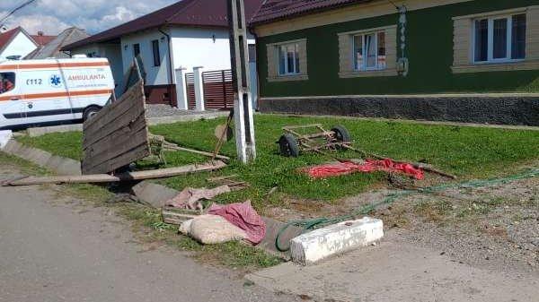 Șase copii au fost răniți în Bistrița Năsăud, după ce căruța în care se aflau a căzut în șanț