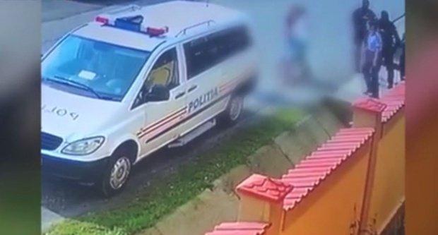 Informații noi în scandalul fetiţei care a fost luată de acasă cu mascaţii
