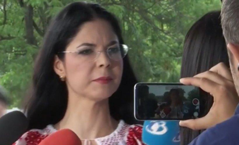 """Ministrul Justiției, Ana Birchall, despre cazul micuței adoptate: """"E absolut normal ca fetița să rămână în România până la lămurirea tuturor aspectelor"""""""
