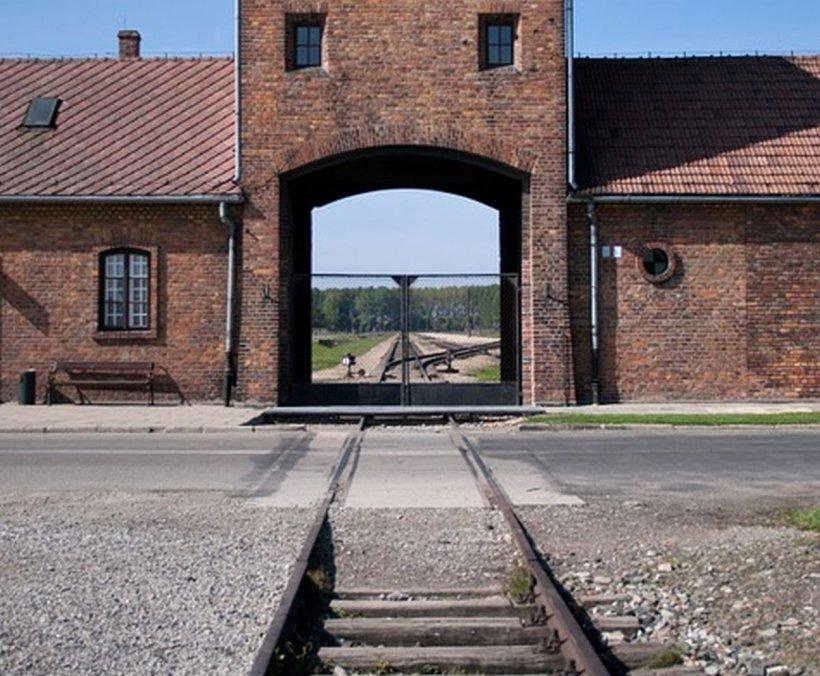Căile ferate olandeze vor acorda despăgubiri victimelor Holocaustului