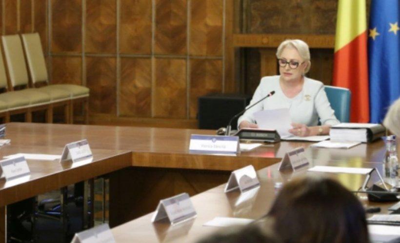 Viorica Dăncilă a fost întrebată dacă i-a ameninţat pe colegi că îşi dă demisia din fruntea Guvernului. Cum a răspuns