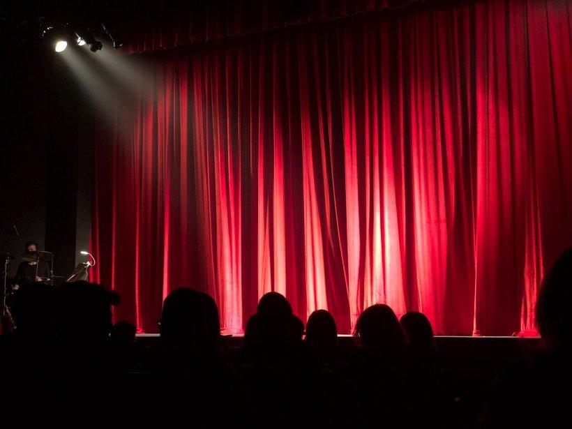 """Scandal uriaș pe tema lipsei de fonduri de la TNB! Ministrul Culturii: """"O să fac un control la teatru să văd cum se cheltuie fondurile""""; Ion Caramitru: """"Bugetele au crescut la capitolul cheltuieli de personal"""""""