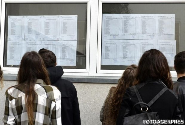 ÎNSCRIERE LICEU 2019. Probleme la înscrierea la liceu. Ministerul Educației nu a publicat ierarhia mediilor în funcție de care părinții și elevii completează fișele de înscriere