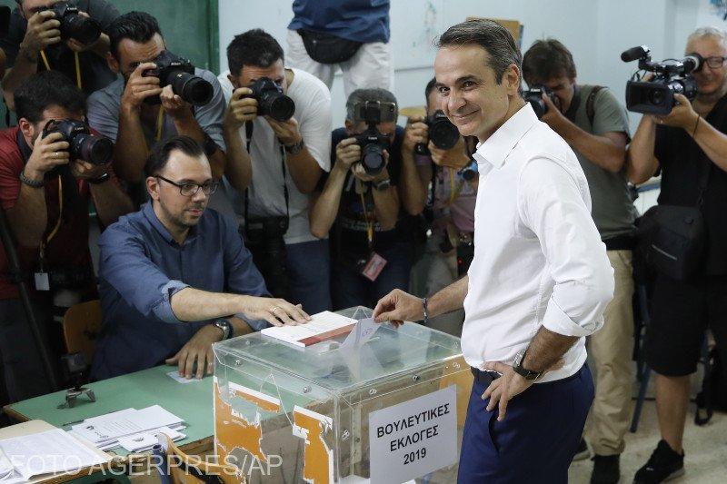 Noua Democraţie a câştigat alegerile din Grecia, potrivit sondajului la ieşirea de la urne 817
