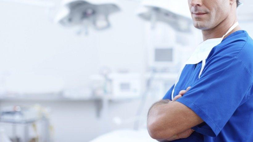 Situație fără precedent! Un medic dintr-un spital din România, neplătit din 2015