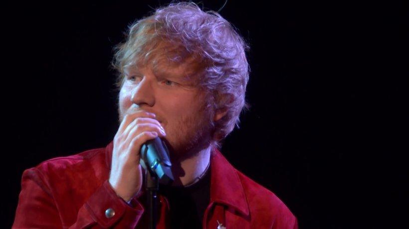 Ed Sheeran, cucerit de fasolea cu ciolan şi mici în România