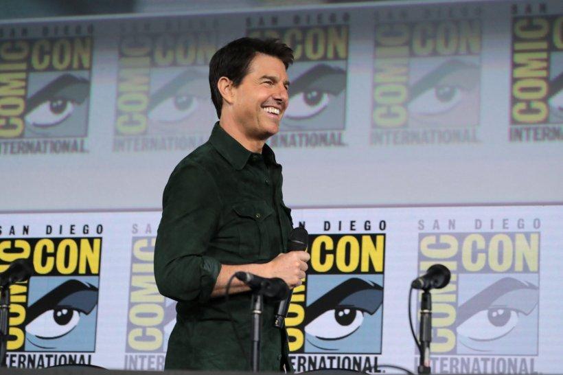 """Tom Cruise, surpriză uriașă pentru fani! Le-a prezentat imagini din viitorul film """"Top Gun: Maverick"""""""