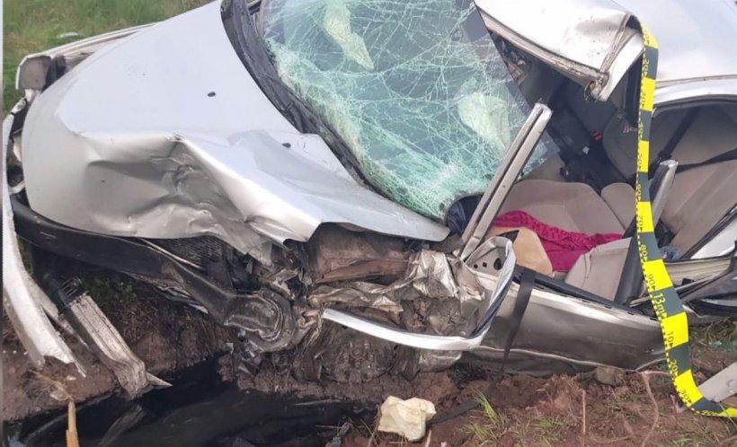 Tragedie în Arad. Patru membri ai unei familii, implicaţi într-un accident grav. Un copil de 9 ani a decedat