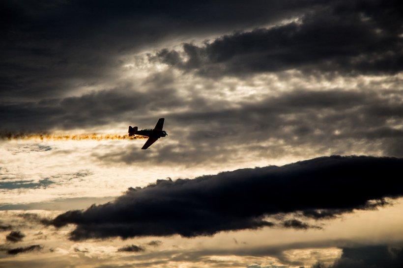 Un avion s-a izbit de o clădire în sud-vestul Germaniei. Trei persoane au murit