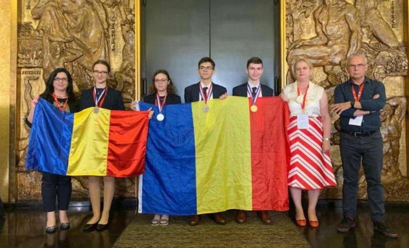 Succes răsunător pentru elevii români. O medalie de aur şi trei medalii de argint, obţinute la Olimpiada Internaţională de Chimie