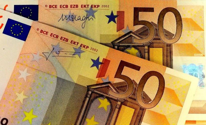 CURS VALUTAR 8 august. Euro a coborât spre 4,73 lei