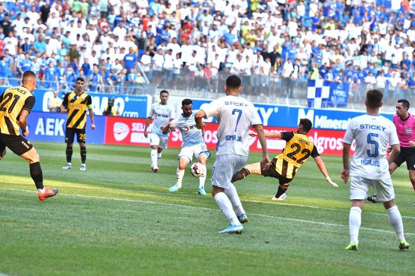 Universitatea Craiova, învinsă acasă de AEK Atena cu 2-0, în turul al treilea preliminar al Europa League
