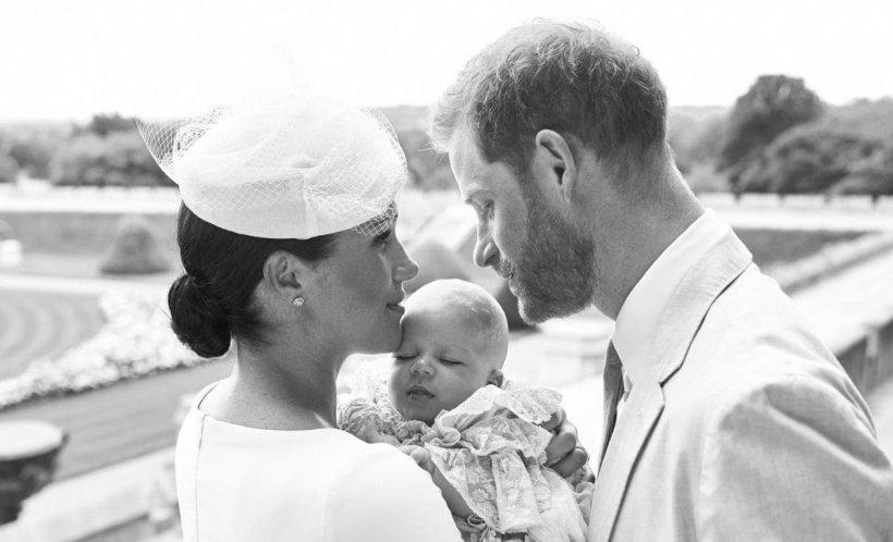Meghan Markle este dur criticată online pentru cum își ține bebelușul în brațe FOTO