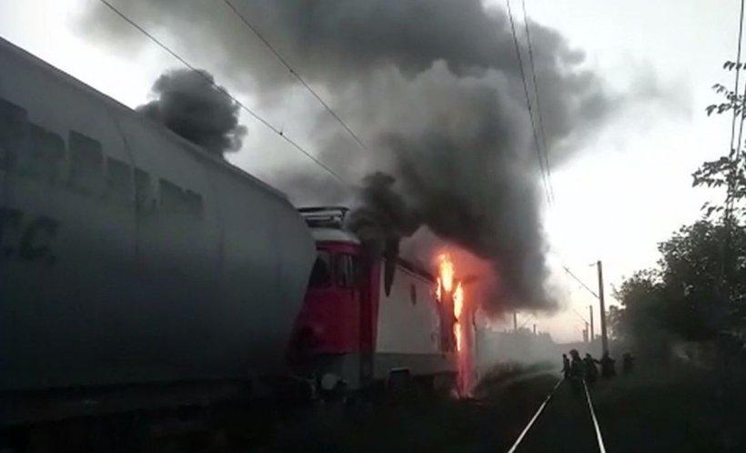 Panică la Constanța. Locomotiva unui tren a luat foc în mers. Traficul feroviar şi rutier a fost blocat
