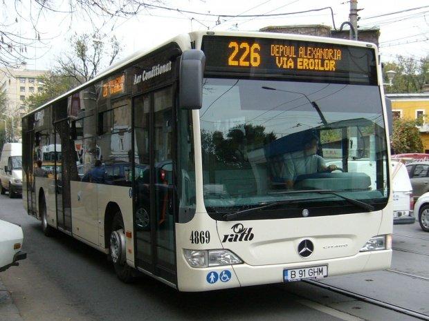 Iulia era în autobuzul 226 din București când a auzit o fată vorbind la telefon. Când și-a dat seama despre cine e vorba, a încremenit: Astăzi clar atac pe cineva!