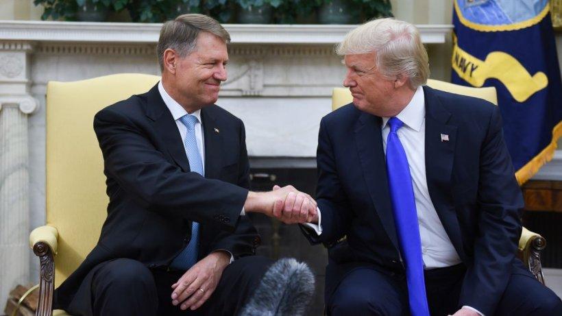 Klaus Iohannis și Donald Trump semnează o declarație comună