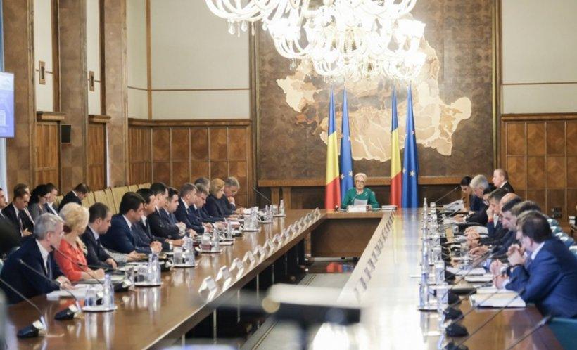 Guvernul se reuneşte în şedinţă. Principalele subiecte pe agenda de lucru 16