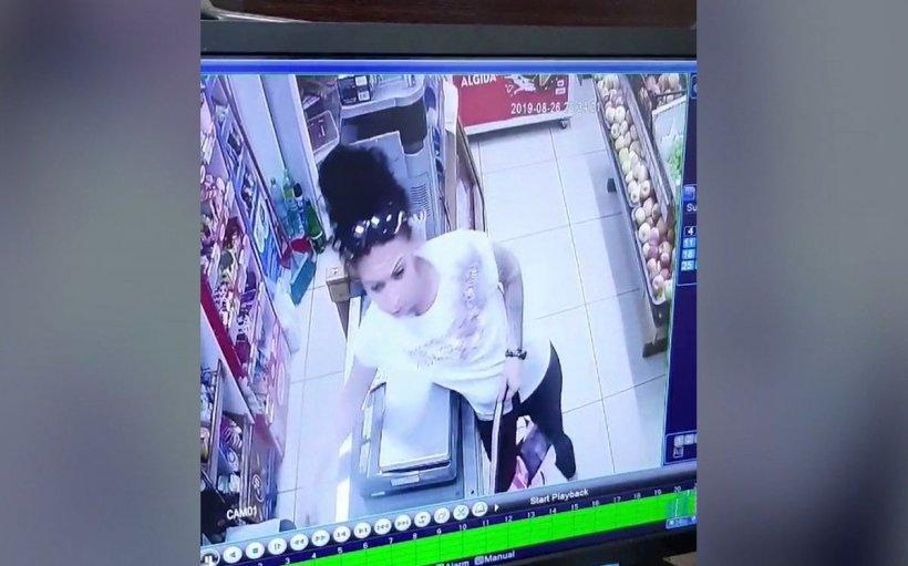 O femeie, eliberată recent din închisoare, surprinsă de camerele de supraveghere în timp ce fura dintr-un magazin din Baia Mare