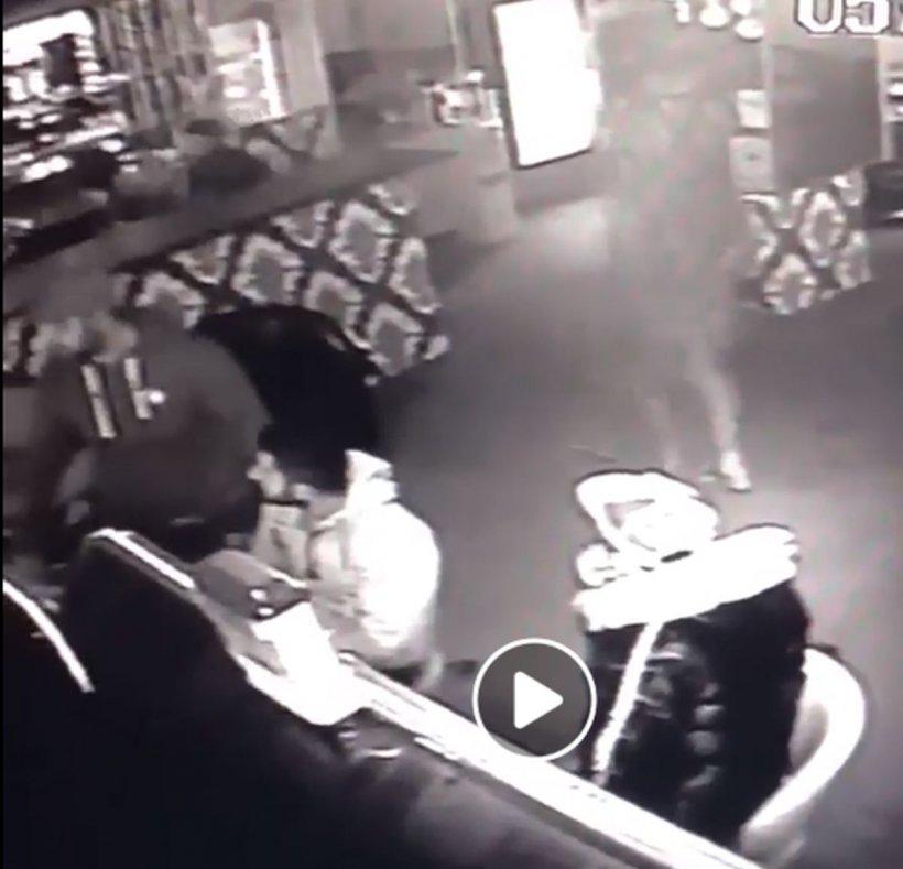 Imagini terifiante în Ialomița. Femeie bătută cu bestialitate după ce ar fi refuzat să întreţină relaţii intime cu doi bărbaţi (VIDEO) 16