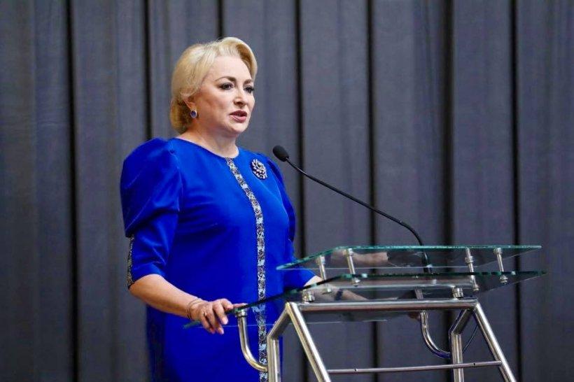 """Dăncilă a fost fluierată și la Sărbătoarea borșului lipovenesc de la Jurilovca: """"Eu le-am spus colegilor de partid să nu vorbească urât"""". Mesaj pentru Tăriceanu"""