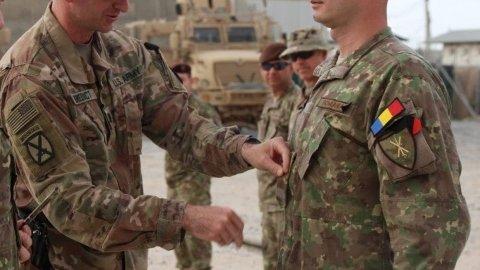 Un militar român a cerut ordin de protecție pentru familia sa cât timp se află în misiune