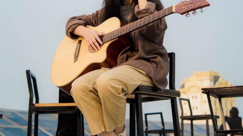 Doliu în lumea muzicii! O cântăreață de doar 30 de ani a murit într-un accident