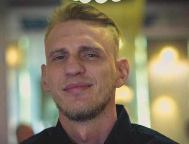 A murit iubitul cântăreței Oana Radu. Tânărul a fost incendiat cu benzină în scara blocului, în urmă cu o lună