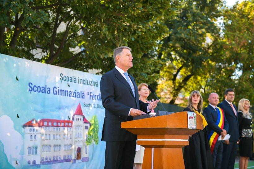 """Klaus Iohannis, atac la adresa politicienilor la deschiderea anului școlar: """"Unii se tem de şcoală. În școală sunt formați cei care le taxează erorile de logică și de exprimare"""""""