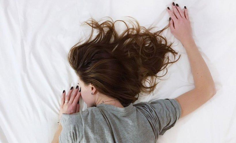 Motivul pentru care e bine să dormi în timpul zilei, o dată sau de două ori pe săptămână
