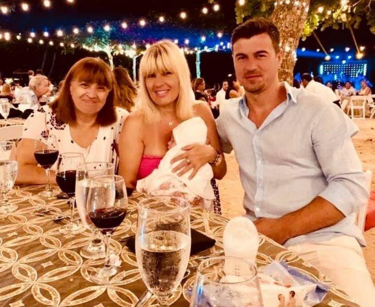 Elena Udrea și Adrian Alexandrov își creștinează fetița pe 20 septembrie. Toate detaliile despre eveniment