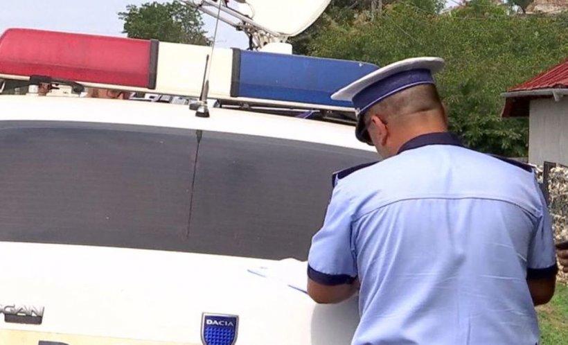 O femeie din Vrancea a sunat poliţia să-i convingă fiica să nu plece în club. Ce a urmat