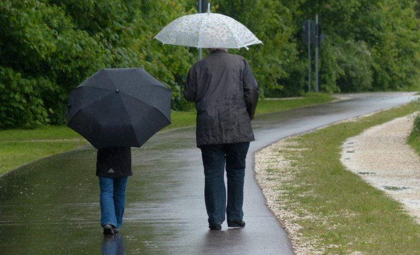 Prognoza METEO: Ploi şi vreme închisă. Temperaturile scad simțitor