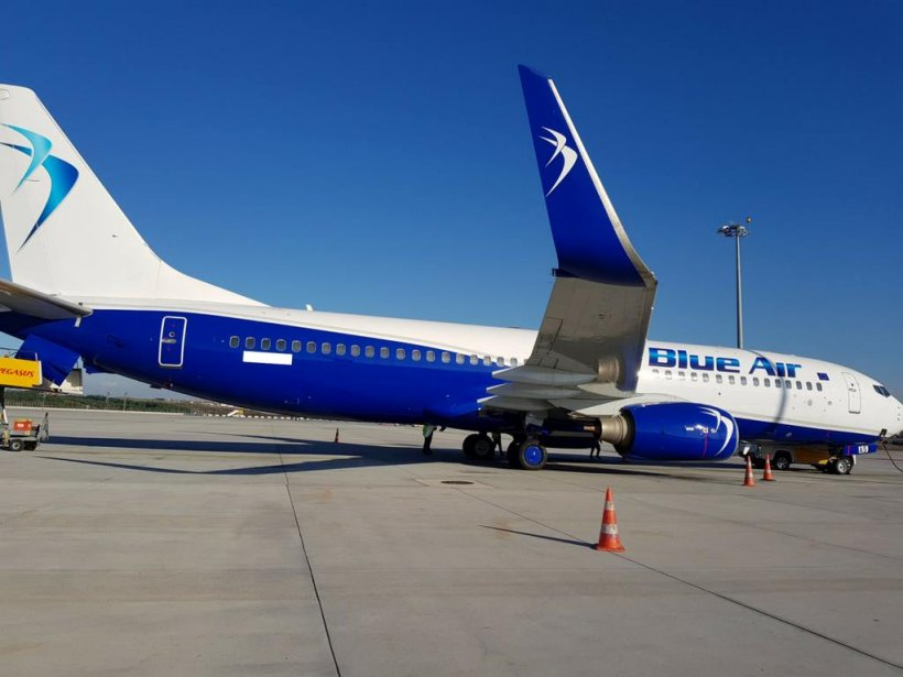 Aterizare de urgență a unui avion Blue Air de pe ruta București – Stuttgart, după ce o stewardesă a fost bătută de un pasager