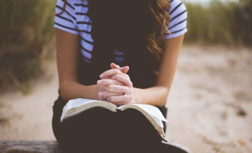 Rugăciunea lui Iisus. Te ajută și te scapă de toate relele