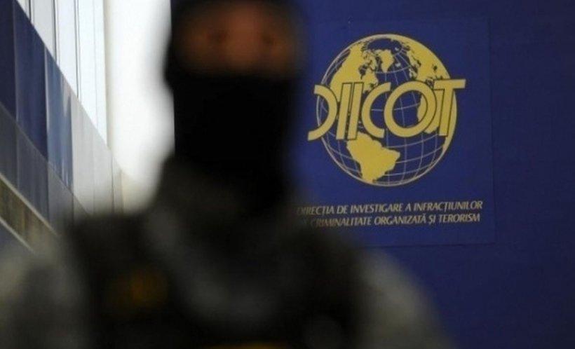 Grupare de traficanţi de droguri în Mehedinți. Ce au găsit procurorii DIICOT în ascunzătoarea lor