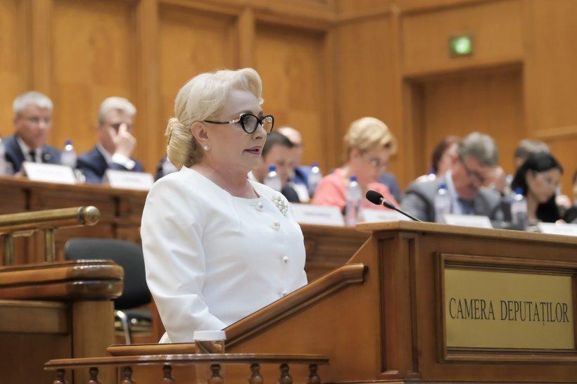Viorica Dăncilă, în plenul Parlamentului: Mă uit în sală și văd aceiași oameni politici amatori și iresponsabili. Ați venit cu temele nefăcute