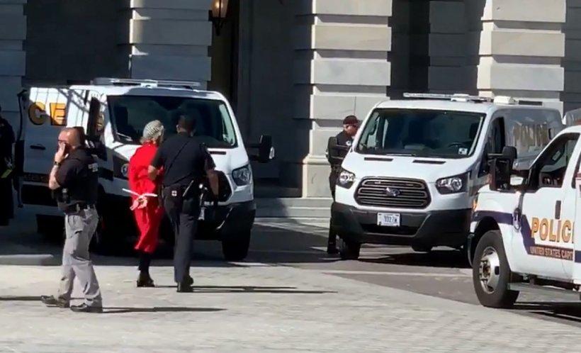 Actrița americană Jane Fonda a fost arestată în timpul unui protest - VIDEO