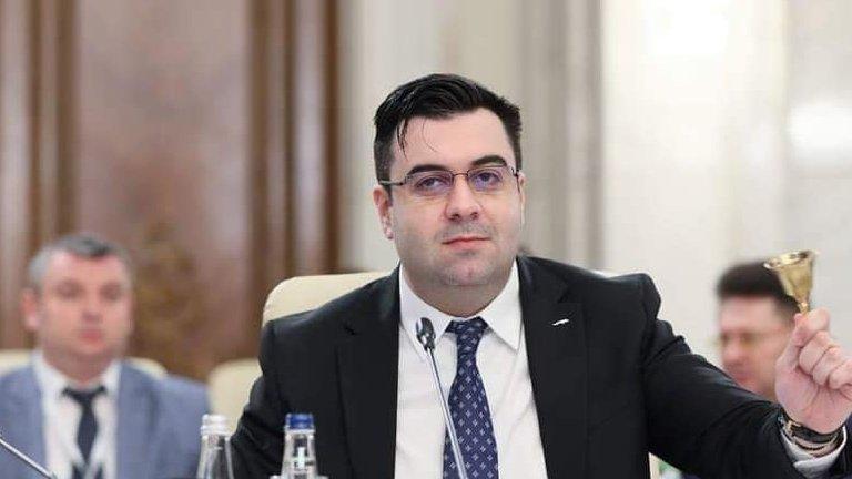 """Răzvan Cuc anunţă restructurări la posturile de conducere din CNAIR: """"Monştrii sacri din infrastructură şi-au pierdut funcţiile"""""""