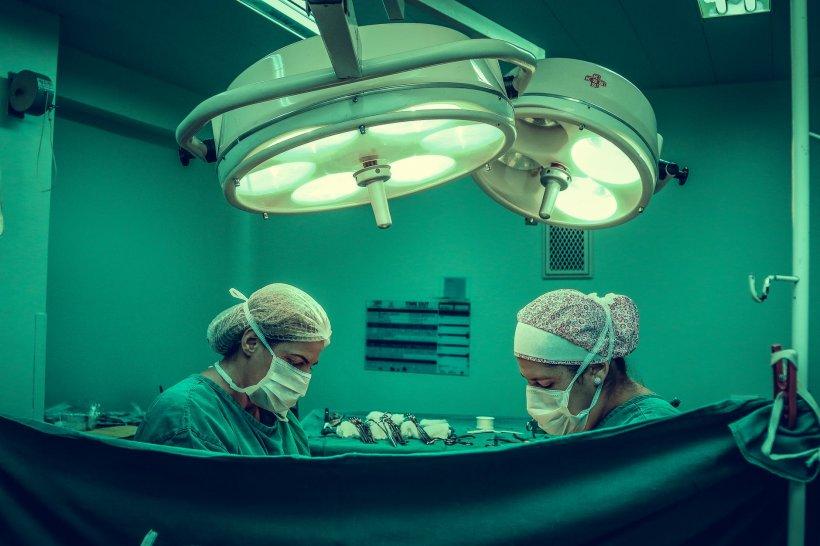Minune într-un spital din Croaţia! O tânără şi-a recuperat piciorul pierdut în accident