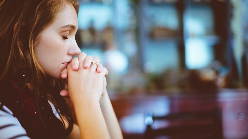Rugăciunile care îți aduc noroc în dragoste și te feresc de ghinion