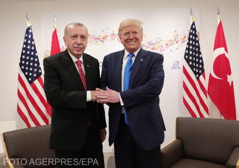 """Donald Trump îl îndeamnă pe Recep Tayyip Erdogan să încheie un acord cu militanţii kurzi: """"Nu vreţi să fiţi responsabil pentru măcelărirea a mii de oameni"""""""