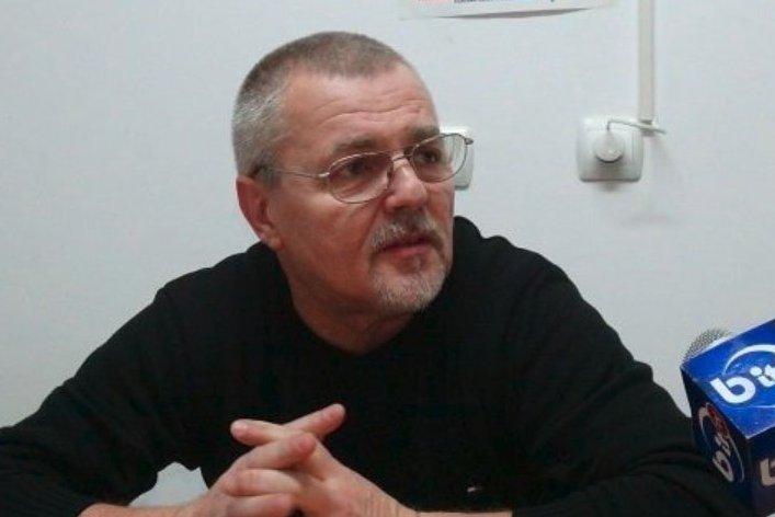 """Profesorul din Pașcani a poftit la una din elevele sale, care a depus plângere împotriva sa. În sala de tribunal, dascălul și-a exprimat nonșalant gestul: """"Eram hiperexcitat"""""""