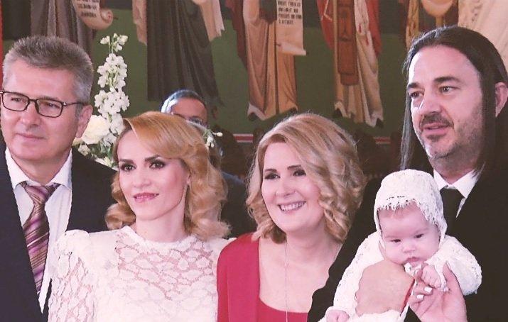 Noi imagini de la botezul fiicei Alessandrei Stoicescu. Vedeta TV a trăit cel mai emoționant moment al vieții sale