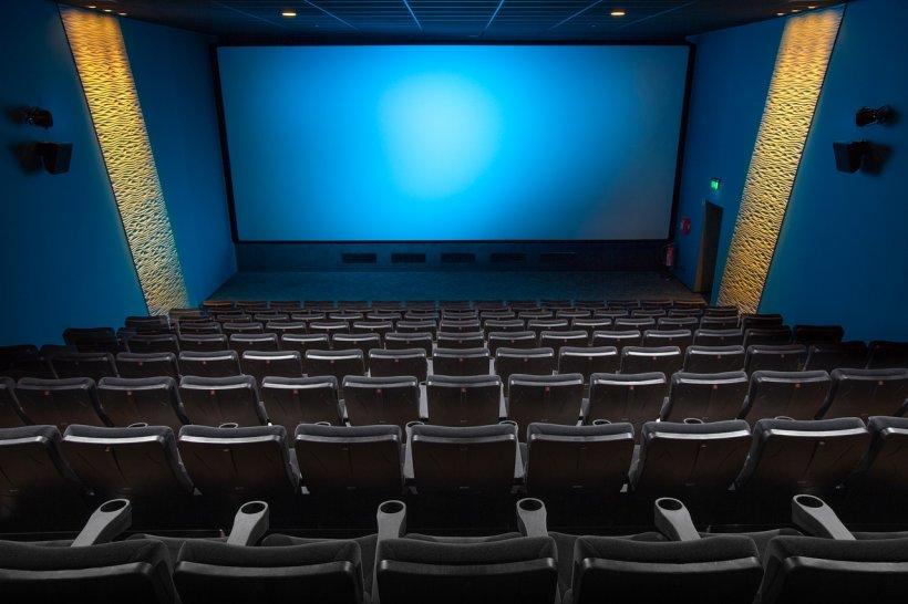 Atacul îngrozitor de la cinematograful din Timişoara. Cum se apără agresorul care i-a înjunghiat pe spectatori