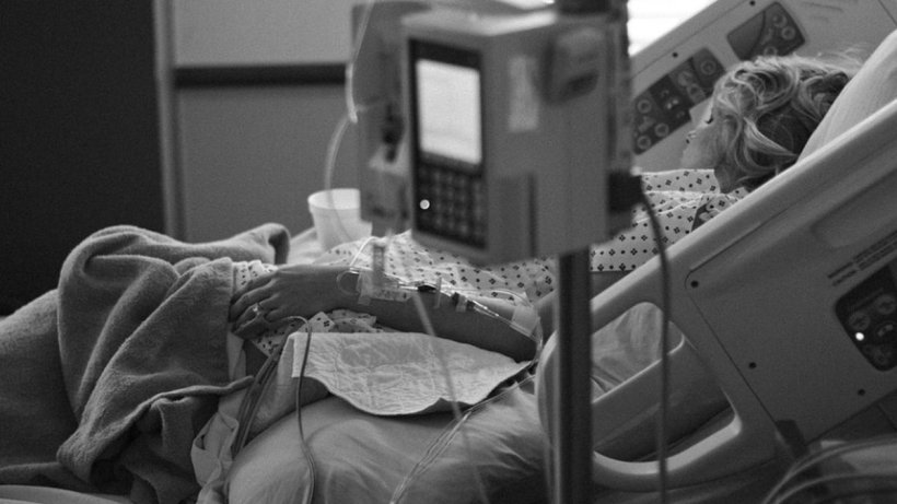 O femeie a aflat că are cancer la sân vizitând un muzeu. Cum a depistat boala