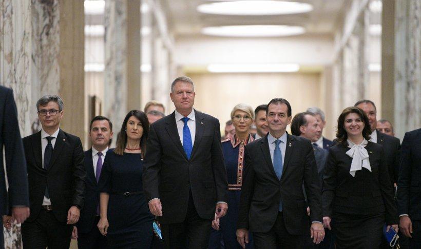 Klaus Iohannis s-a dus la Palatul Victoria să-și instaleze Guvernul