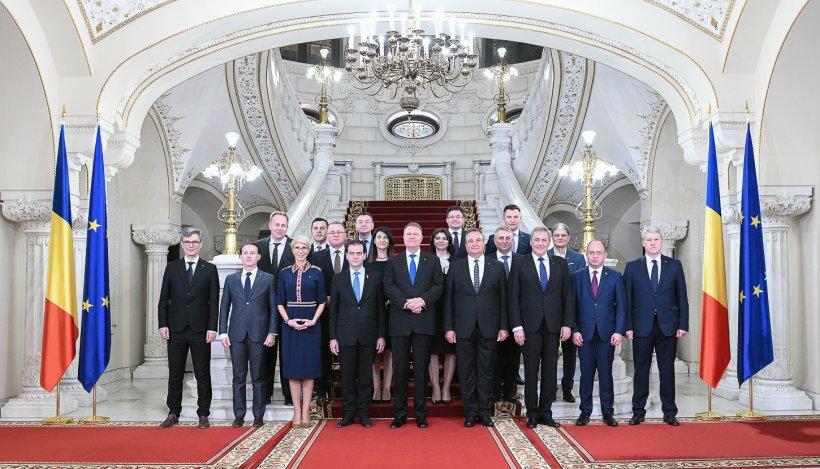 Miniştrii Cabinetului Orban au depus jurământul în faţa preşedintelui Klaus Iohannis